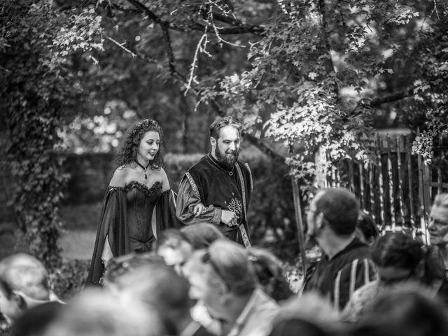 Le mariage de Josh et Laure à Marcilly-d'Azergues, Rhône 13
