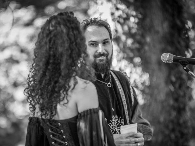 Le mariage de Josh et Laure à Marcilly-d'Azergues, Rhône 14