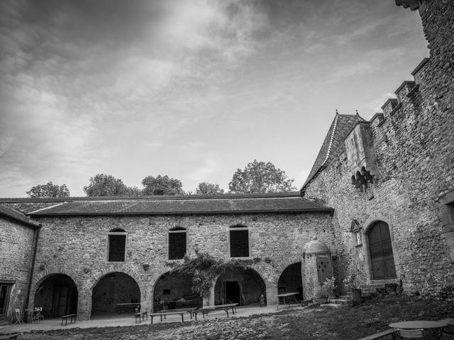 Le mariage de Josh et Laure à Marcilly-d'Azergues, Rhône 37