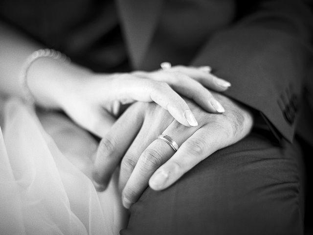Le mariage de Thomas et Marion à Milhaud, Gard 16