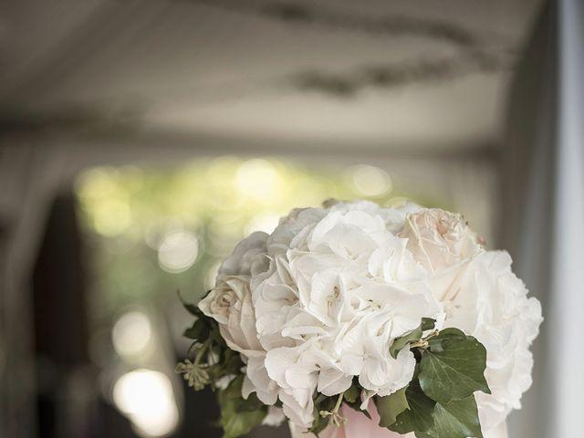 Le mariage de Thomas et Marion à Milhaud, Gard 18