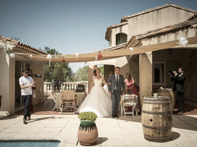 Le mariage de Thomas et Marion à Milhaud, Gard 19