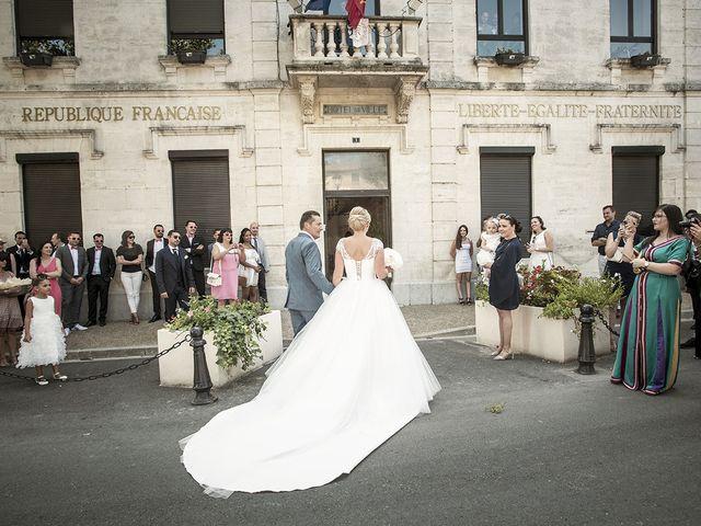 Le mariage de Thomas et Marion à Milhaud, Gard 22