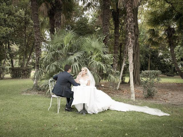 Le mariage de Thomas et Marion à Milhaud, Gard 59