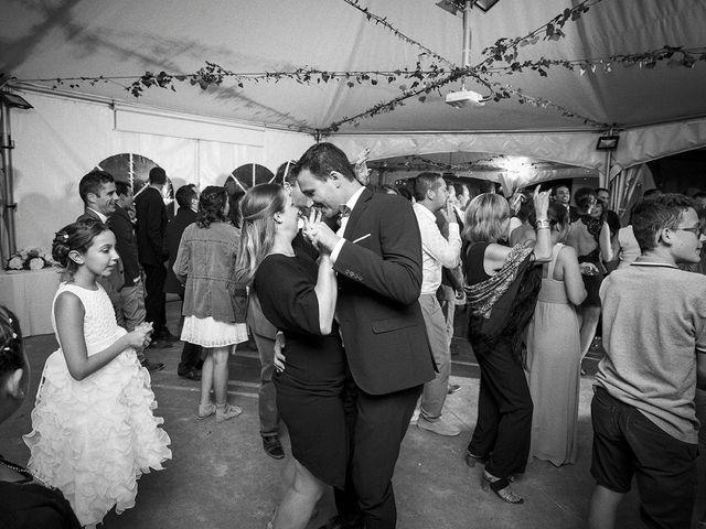 Le mariage de Thomas et Marion à Milhaud, Gard 74