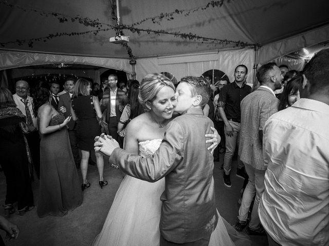 Le mariage de Thomas et Marion à Milhaud, Gard 76
