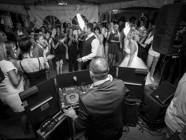 Le mariage de Thomas et Marion à Milhaud, Gard 81