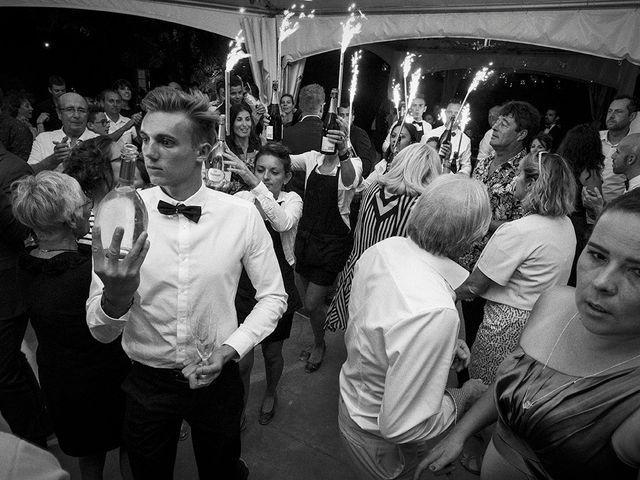 Le mariage de Thomas et Marion à Milhaud, Gard 83