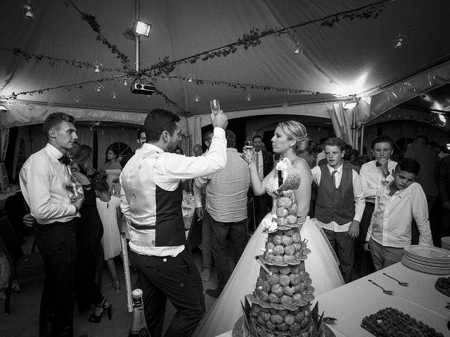 Le mariage de Thomas et Marion à Milhaud, Gard 86