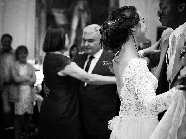 Le mariage de Ananivi et Marie-Caroline à Chaunay, Vienne 2