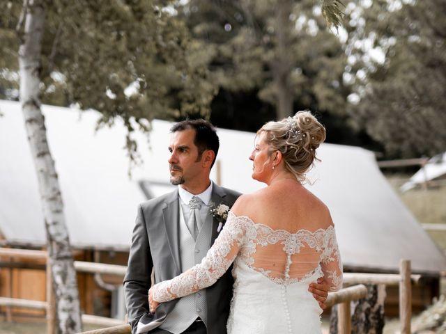 Le mariage de David et Hélène à Pont-de-l'Isère, Drôme 4