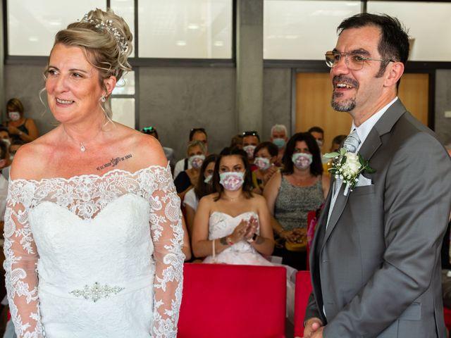 Le mariage de David et Hélène à Pont-de-l'Isère, Drôme 5