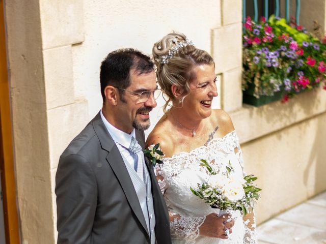 Le mariage de David et Hélène à Pont-de-l'Isère, Drôme 23