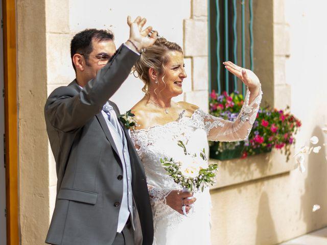 Le mariage de David et Hélène à Pont-de-l'Isère, Drôme 24