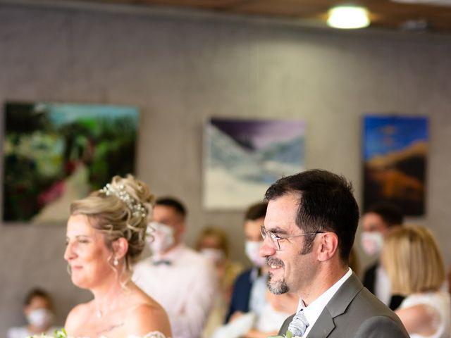 Le mariage de David et Hélène à Pont-de-l'Isère, Drôme 29