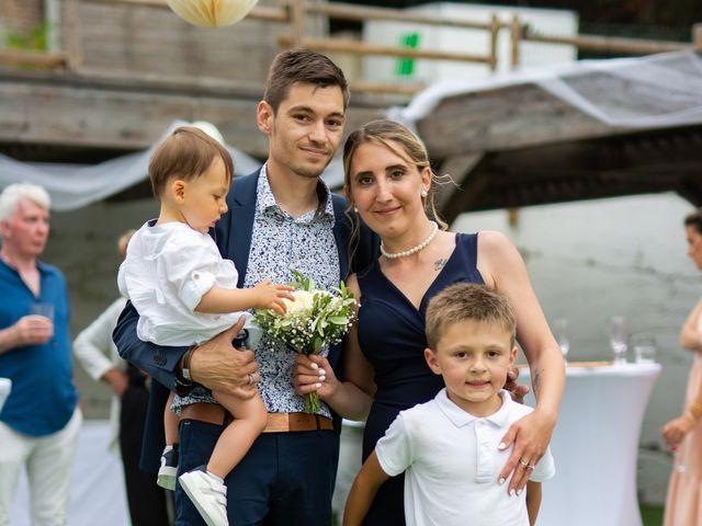 Le mariage de David et Hélène à Pont-de-l'Isère, Drôme 36