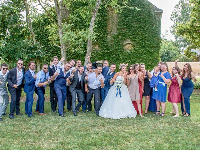Le mariage de Mickaël et Alexia à Le Vieil-Baugé, Maine et Loire 32