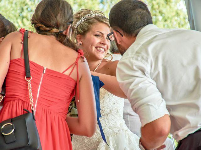 Le mariage de Mickaël et Alexia à Le Vieil-Baugé, Maine et Loire 35