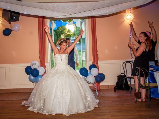 Le mariage de Mickaël et Alexia à Le Vieil-Baugé, Maine et Loire 47