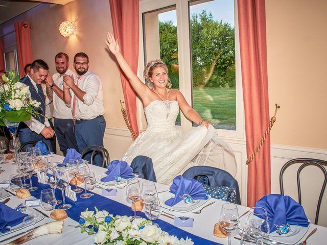 Le mariage de Mickaël et Alexia à Le Vieil-Baugé, Maine et Loire 48