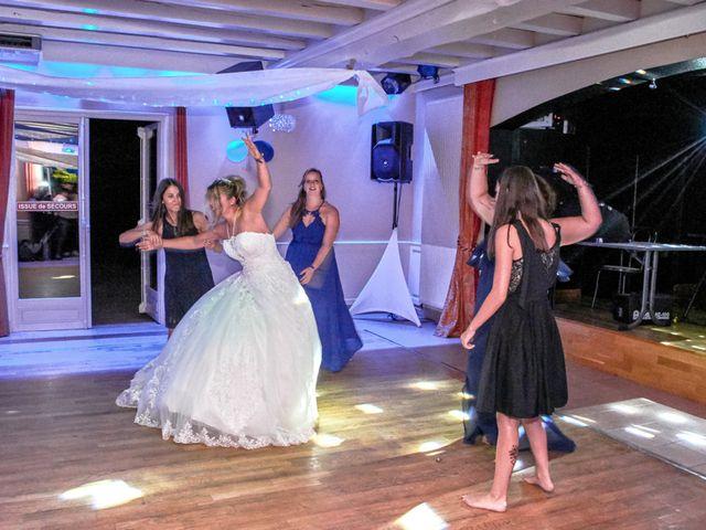 Le mariage de Mickaël et Alexia à Le Vieil-Baugé, Maine et Loire 55