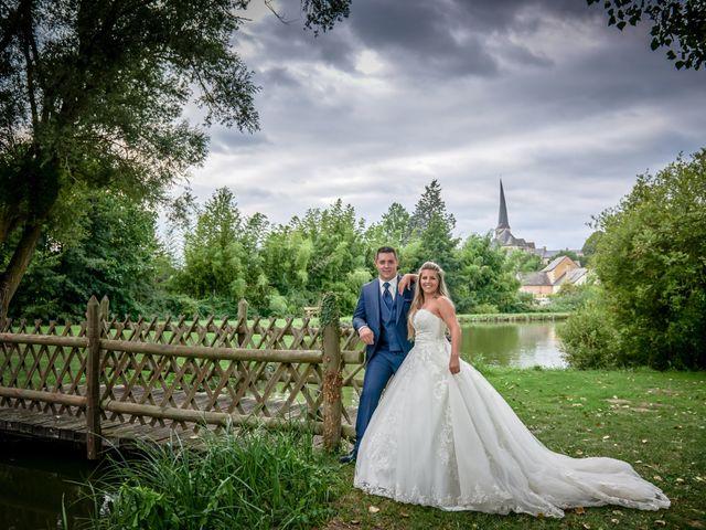Le mariage de Mickaël et Alexia à Le Vieil-Baugé, Maine et Loire 77