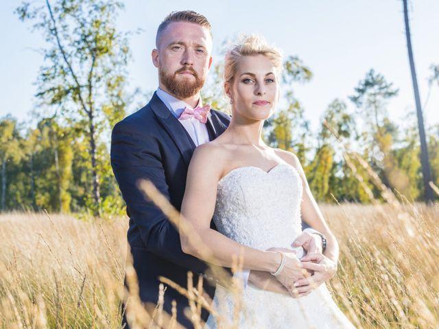 Le mariage de David et Angie à Changé, Sarthe 10