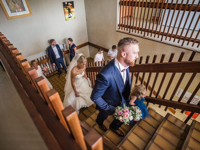Le mariage de David et Angie à Changé, Sarthe 15