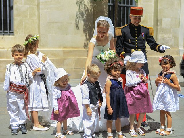 Le mariage de Maximilien et Yuliana à Nîmes, Gard 3
