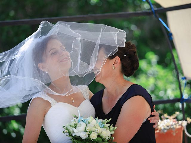 Le mariage de Maximilien et Yuliana à Nîmes, Gard 31