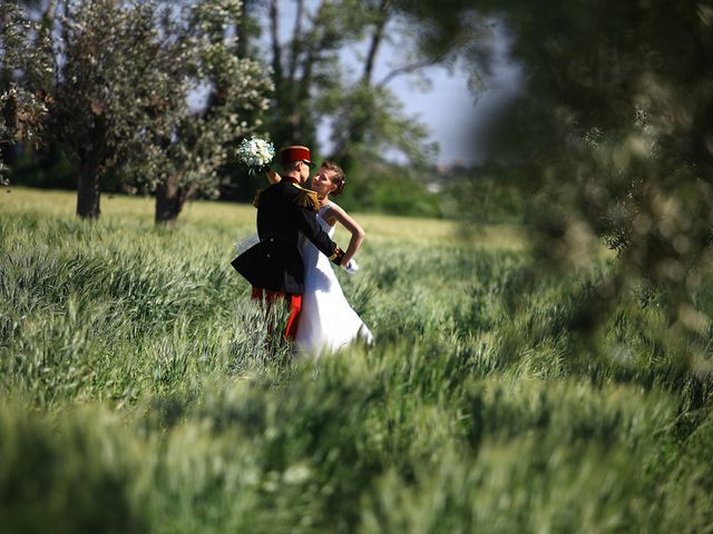 Le mariage de Maximilien et Yuliana à Nîmes, Gard 32