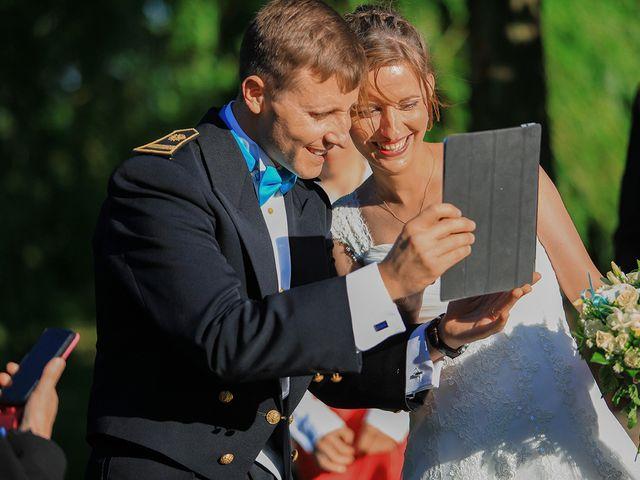 Le mariage de Maximilien et Yuliana à Nîmes, Gard 42