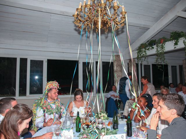 Le mariage de Benoit et Emilie à Bellegarde, Gard 273