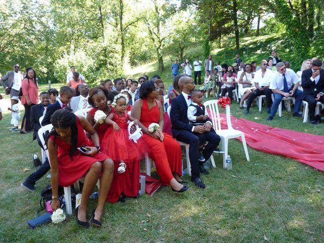 Le mariage de Roger et Cassandra  à Nivolas-Vermelle, Isère 4