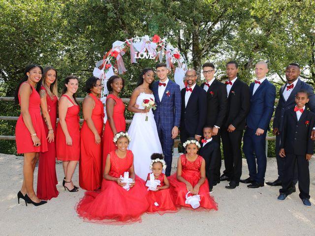 Le mariage de Roger et Cassandra  à Nivolas-Vermelle, Isère 6
