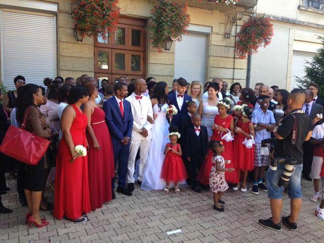 Le mariage de Roger et Cassandra  à Nivolas-Vermelle, Isère 8