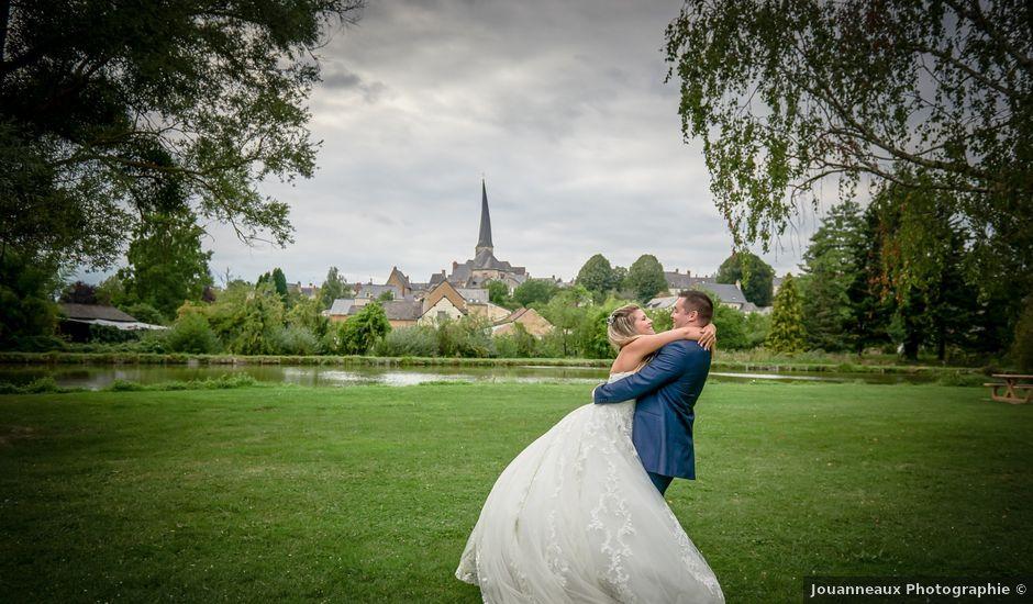 Le mariage de Mickaël et Alexia à Le Vieil-Baugé, Maine et Loire