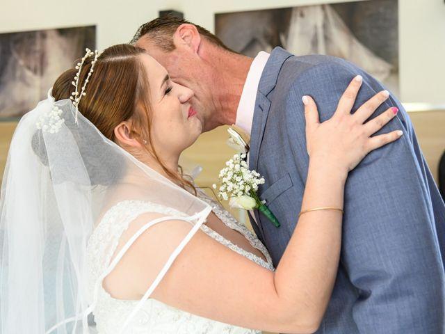 Le mariage de Matthieu et Mélody à Alès, Gard 15