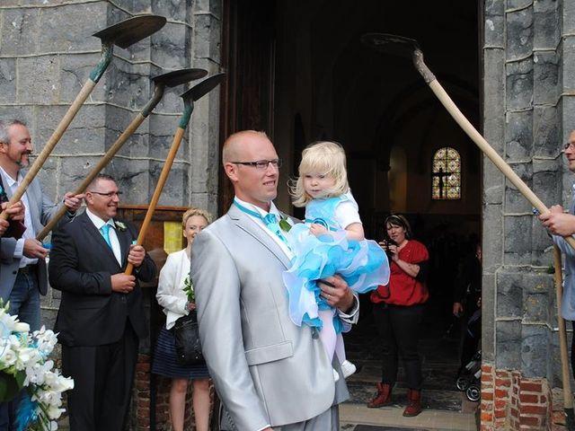 Le mariage de Tony et Ingrid à La Flamengrie, Aisne 30