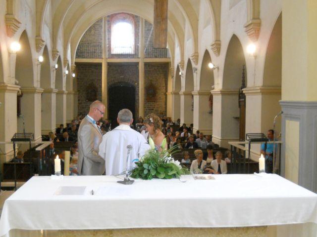 Le mariage de Tony et Ingrid à La Flamengrie, Aisne 33