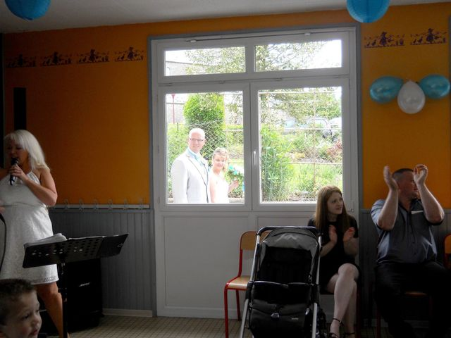 Le mariage de Tony et Ingrid à La Flamengrie, Aisne 37