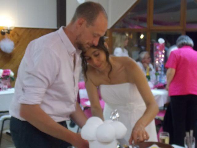 Le mariage de Sébastien et Céline à Salignac, Gironde 10