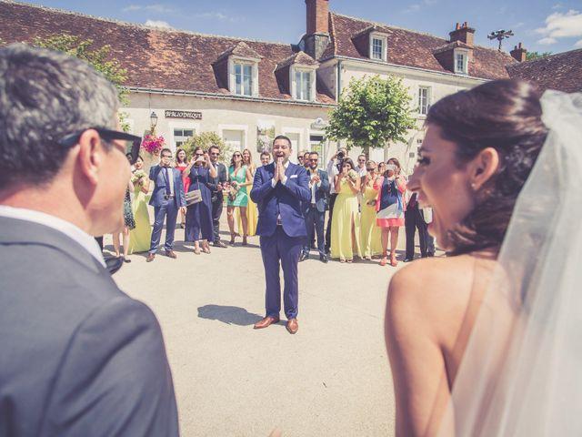Le mariage de Thomas et Livia à Descartes, Indre-et-Loire 44