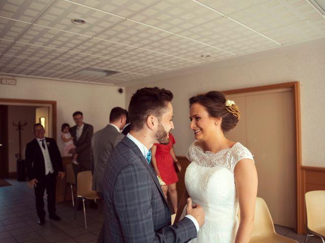 Le mariage de Romain et Juliette à Baume-les-Dames, Doubs 13