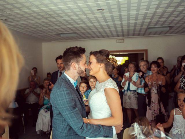 Le mariage de Romain et Juliette à Baume-les-Dames, Doubs 14