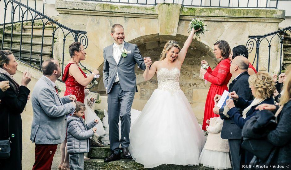 Le mariage de Adrien et Sophie à Carrières-sur-Seine, Yvelines