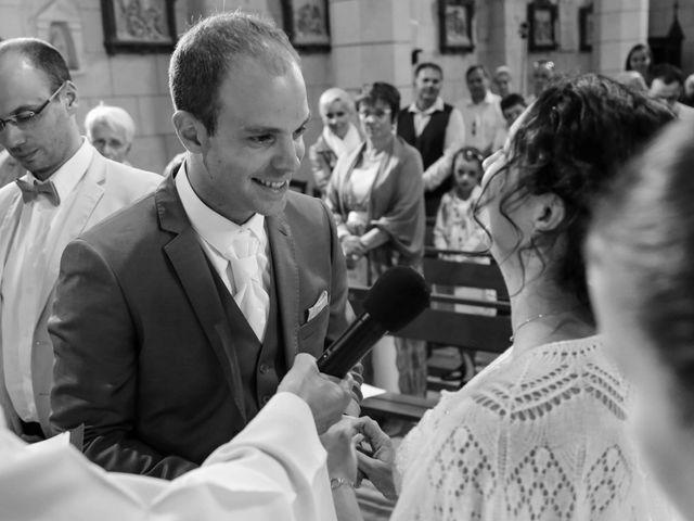 Le mariage de Samuel et Myriam à La Villedieu-du-Clain, Vienne 32