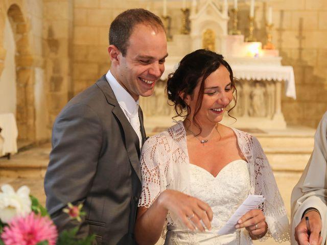 Le mariage de Samuel et Myriam à La Villedieu-du-Clain, Vienne 40