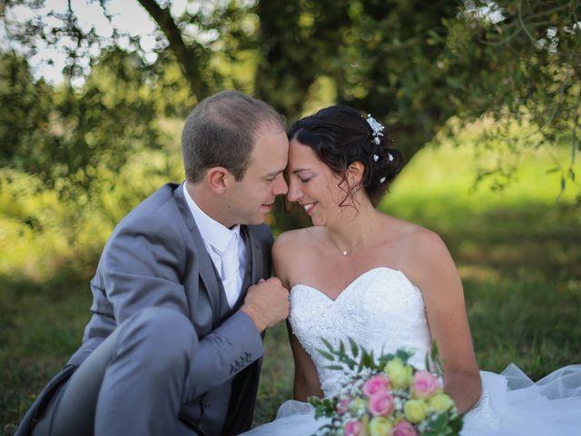 Le mariage de Samuel et Myriam à La Villedieu-du-Clain, Vienne 57