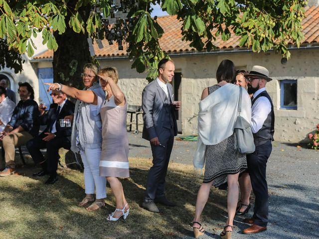 Le mariage de Samuel et Myriam à La Villedieu-du-Clain, Vienne 72